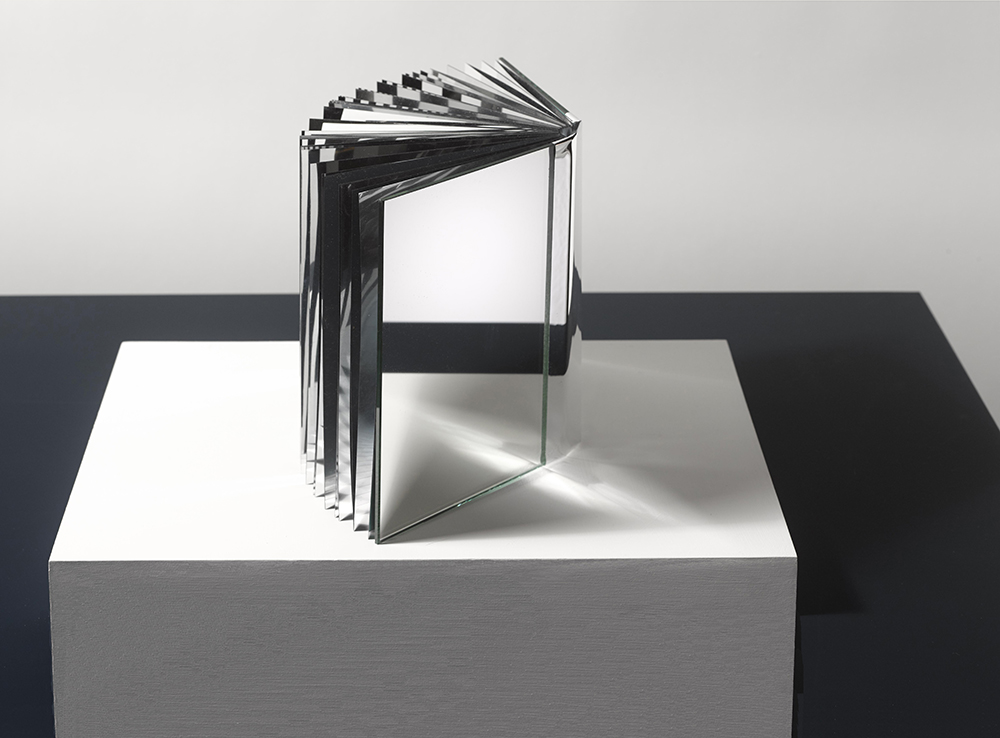 book art-book made of mirrors